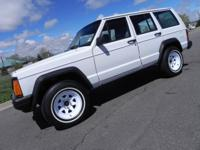Options Included: 4.0 liter 6-cylinder inline4x4Air