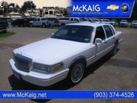 Options Included: N/AThis 1996 LINCOLN Town Car is a