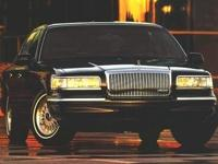 Exterior Color: gold, Body: Sedan 4 Dr., Engine: V-8