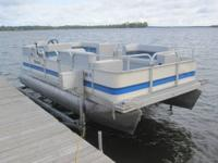 very nice 18' pontoon with newer seats and nice custom