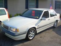 1996 Volvo 850 Auto, Leather, Cold A/c, power windows,