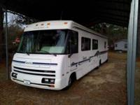 1996 Winnebago Itasca This Class A recreational vehicle