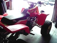 1996 yamaha YZF 350 banshee with numerous upgrades. Hi,