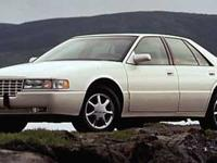 Exterior Color: white, Body: Sedan, Engine: 4.6L V8 32V