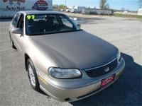 This 1997 Chevrolet Malibu 4dr 4dr Sdn Sedan features a