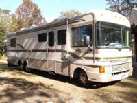 1997 Fleetwood Bounder 34V This ones good looking, and