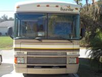 30' 1997 FLEETWOOD BOUNDER CLASS A MOTOR HOME, WITH