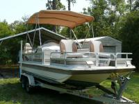 1997 Goffrey Hurricane 19Ft Fish and Fun Deck Boat with