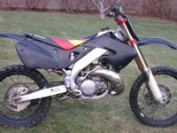 1997 Honda CR250 Dirt Bike 2 Stroke , runs and rides