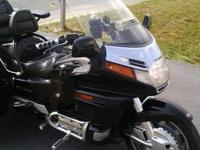 1997 Honda GL1500 Gold Wing Trike . With chrome rear