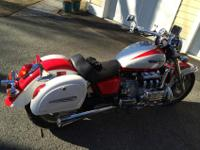 Offering my 1997 Honda Valkyrie Standard due to a knee