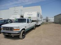 This 1997 Legacy 27 ft. 5th wheel camper is a one owner
