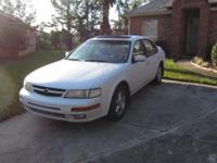 Maxima SE 1997 with 148k in good/clean health condition