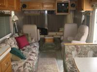 Pace Arrow Motor Home  : Ford engine 460,