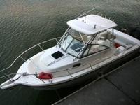 1997 Robalo 2540 Offshore Walkaround Cuddy Cabin, 25'