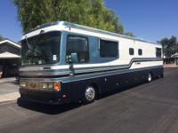1997 Safari Continental 40ft long diesel pusher. 89K