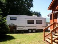 1997 Shasta 5th Wheel in Excellent Condition No Smoking