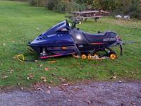 im selling my 1997 skidoo 600 triple it has a can