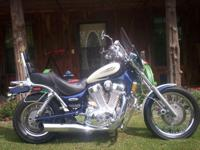 Description for sale: 1997 Suzuki VS 1400 Intruder.