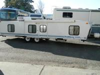 Vehicle Type:	Travel Trailers Manufacturer:	Trailmanor