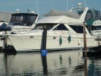 Description 39' Bayliner 3988 Command Bridge Located in