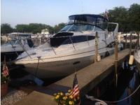 1998 Carver 350 Mariner Boat is located in