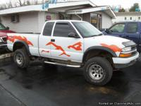 1998 Chevy S-10 ZR2 ( 4 x 4 ) Must See Truck with Lift
