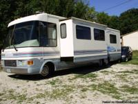 Vehicle Description National RV Dolphin 5360, 1998,