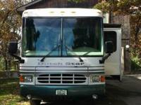 1998 Dutch Star motor home for sale in Des Moines, IA