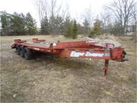 1998 Eager Beaver Triaxle trailer, good condition, wood