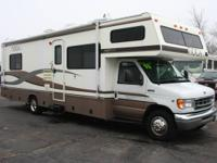 1998 Fleetwood Tioga SL 31T, Ford 6.8L V10, Sleeps 8,