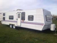 1998 Forest River Wildwood This travel trailer has