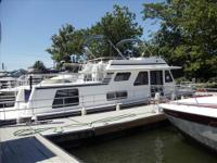 1998 50ft Gibson Cabin Yacht !!!! This houseboat has it