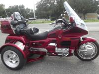 1998 GOLDWING TRIKE ONLY 63,000 MILES ON IT HAS
