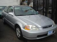 Options Included: N/AThis 1998 Honda Civic EX is in