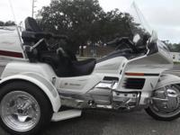 1998 HONDA GOLDWING TRIKE ONLY 47,000 MILES ON IT RUNS