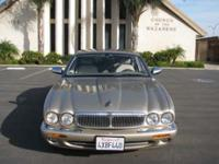 Options Included: N/ASUPER CLEAN '98 Jaguar XJ8 with