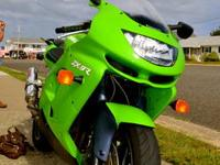 For sale is a 1998 Kawasaki Ninja zx9r with about