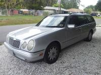 1998 Mercedes E 320 Station Wagon : This car is great