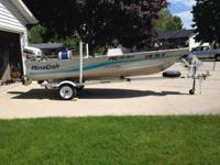 1998 boat in excellent condition. Features 25 Horse