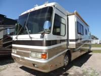 1998 Monaco Dynasty 40PBS Diesel pusher. 1 slide room.
