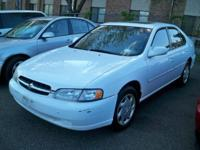 Options Included: N/A1998 NISSAN ALTIMA GXE!!!