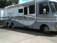Beautiful 1998 Pace Arrow for sale. Low miles. 33 Feet