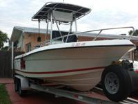 1998 Robalo 2120. It comes equipped with a powerful
