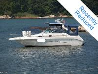 The flexible Sea Ray 250 Sundancer combines high