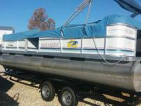 2005 90 HP Evinrude with a 2015 Trailer. Boats Pontoons