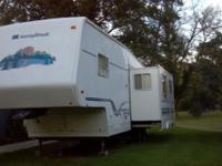 1998 Sunnybrook 30 RLFS 5th Wheel. Lite Aluminum