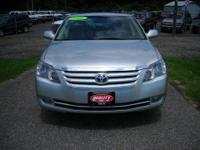Welcome, you are viewing a 1998 Toyota Avalon XLS that