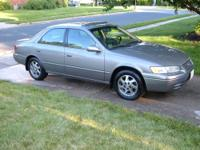 This is a nice 1998 Toyota Camry XLE four door sedan, 6