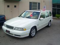98' Volvo V70 Wagon Auto, Cold a/c, leather Sunroof,